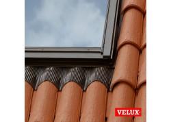 Velux tarpinė EDW 2000 su izoliacija BDX banguotai stogo dangai